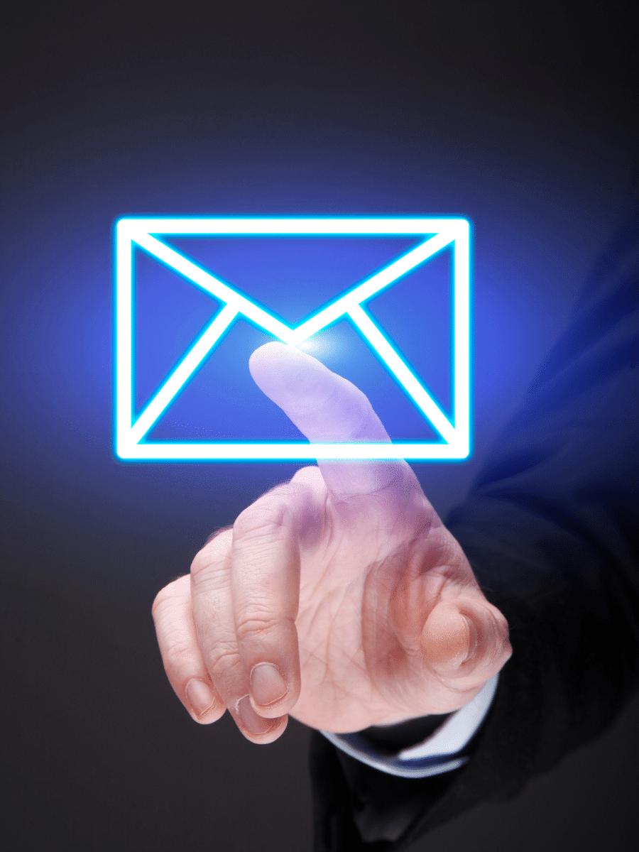 Briefumschlag als Symbol für Email-Archivierung